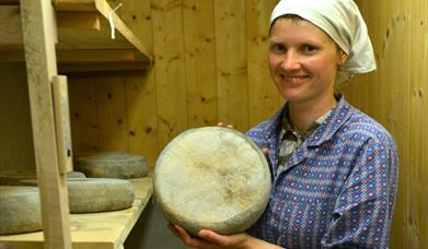 Cheese is one of the traditional items you can buy at Håvardsrud Mountain Farm